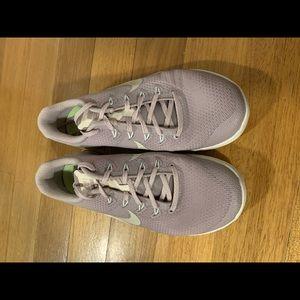 Wmns Nike Metcon 4